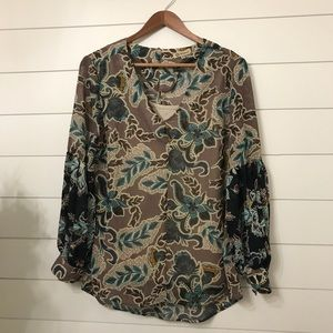 Democracy floral tunic size small